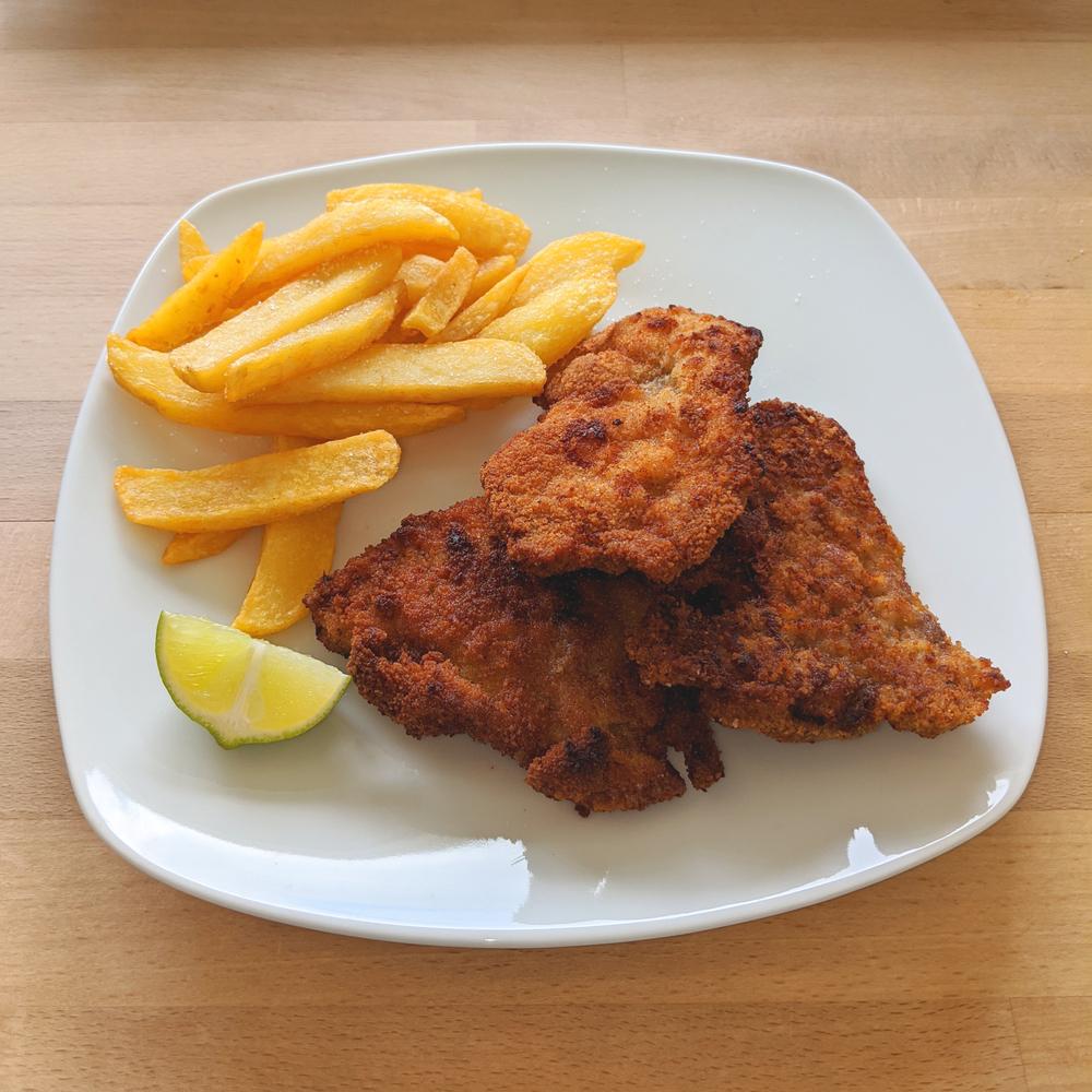 Wiener Schnitzel originale con patatine fritte 1