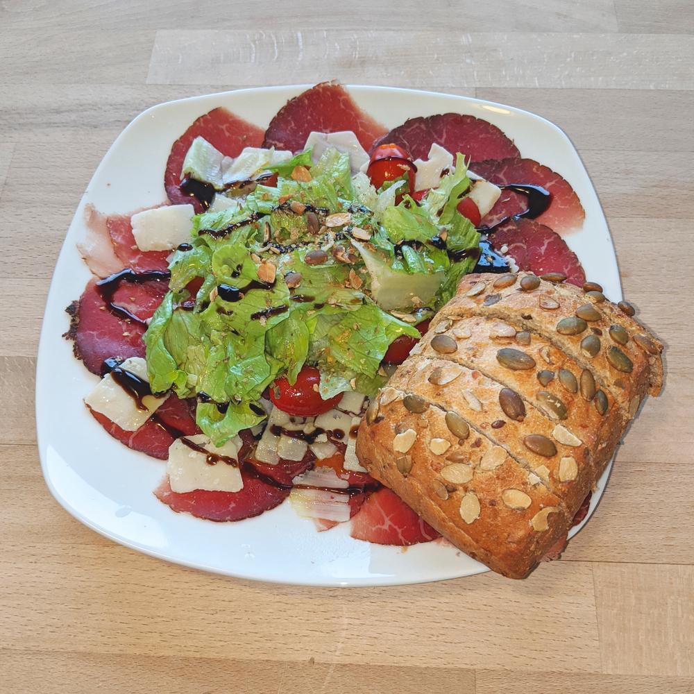 Bresaola with salad