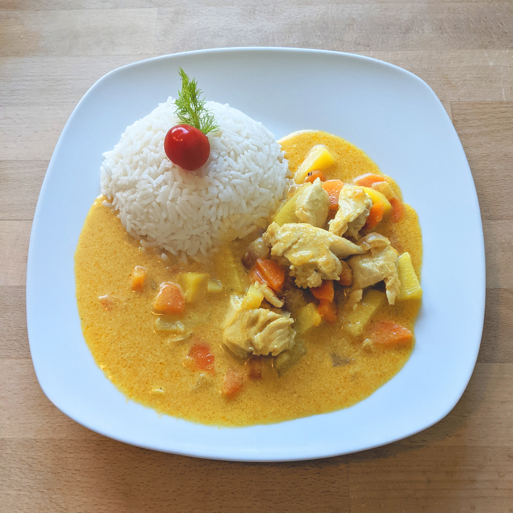 Chicken curry with rice 2