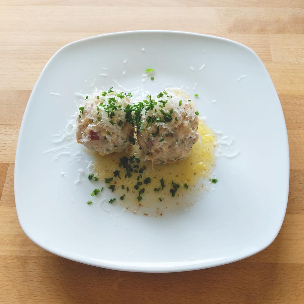 Canederli allo speck, canederli al formaggio o canederli a digiuno dell'Alto Adige
